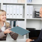 Дарение доли квартиры между близкими родственниками: как оформить, документы