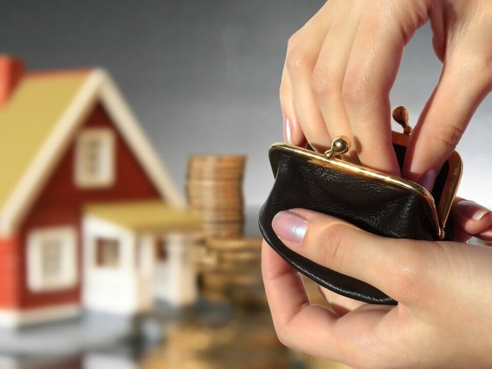 Стоимость оформление дарственной на квартиру между родственниками: у нотариуса