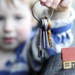 Особенности покупки квартиры с несовершеннолетним собственником