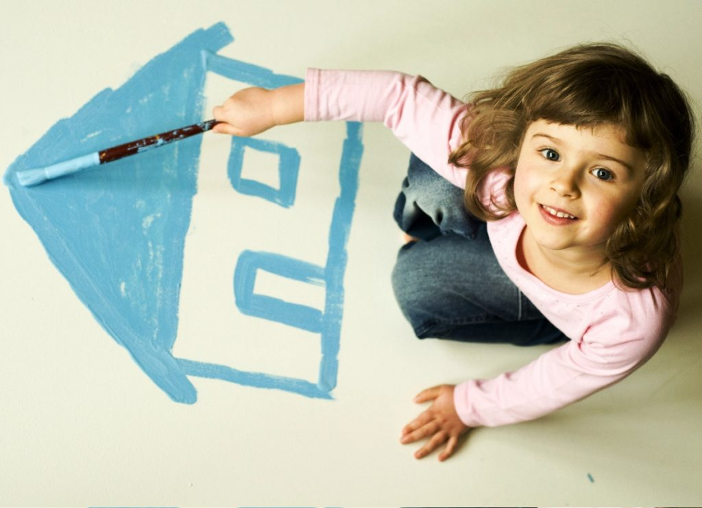 Как выписать ребенка из квартиры при продаже квартиры
