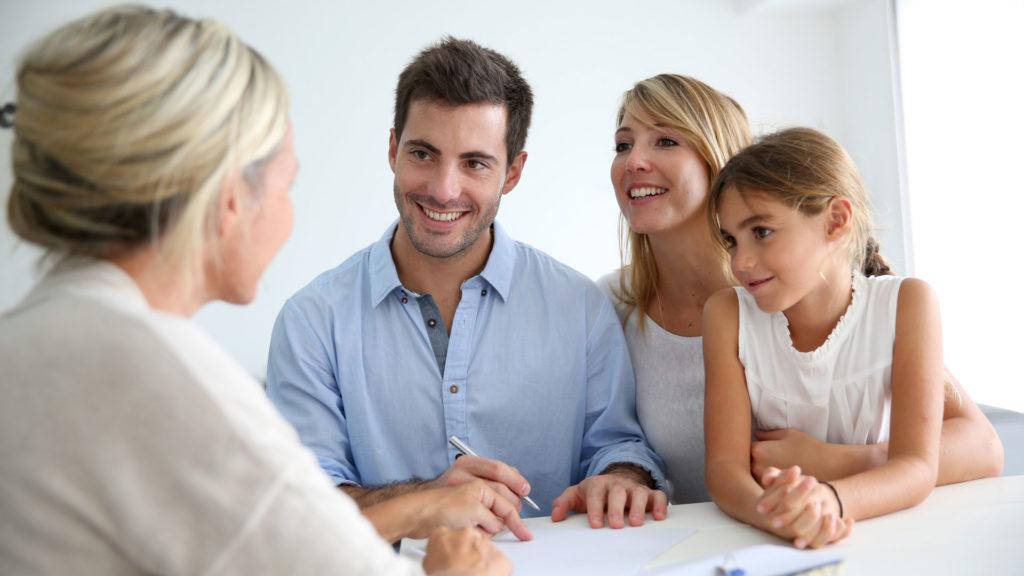 Какие документы нужны в опеку для разрешения продажи квартиры
